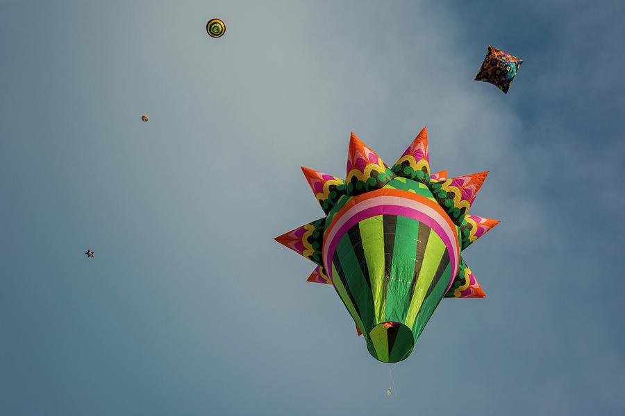 Hot Air Balloons Photograph - Regata de Globos by Dane Strom