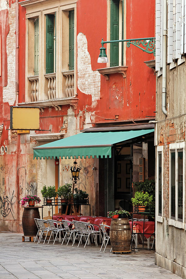 Restaurant In Venice Photograph by Mammuth