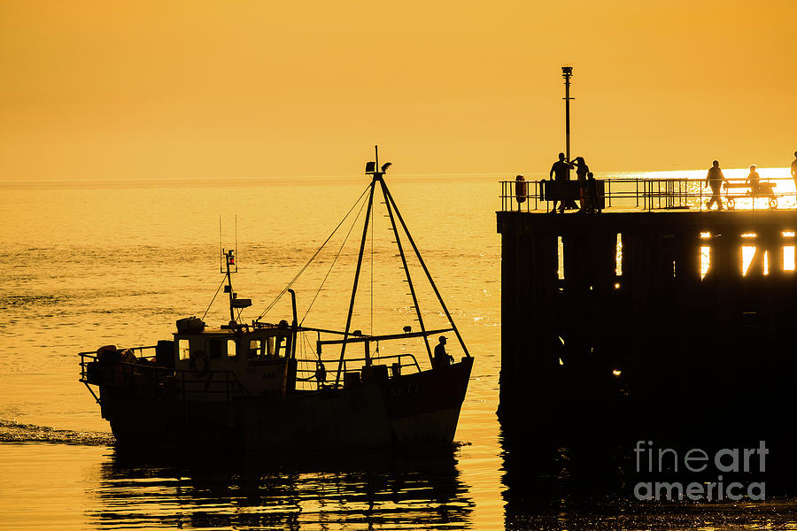 2019 Photograph - Returning To Harbour At Dusk by Keith Morris