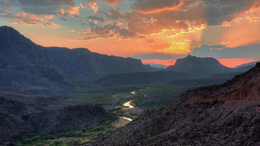 Texas Landscape Photograph - Rio Grande River Sunset by Harriet Feagin