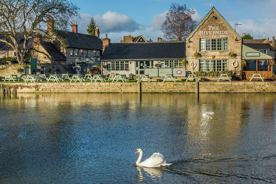 Cotswolds Photograph - River Thames, Lechlade, Gloucestershire by David Ross