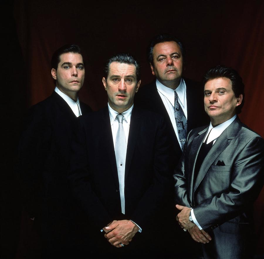 Peliculas y series de culto - Página 9 Robert-de-niro--ray-liotta--paul-sorvino-and-joe-pesci-in-goodfellas-1990--album