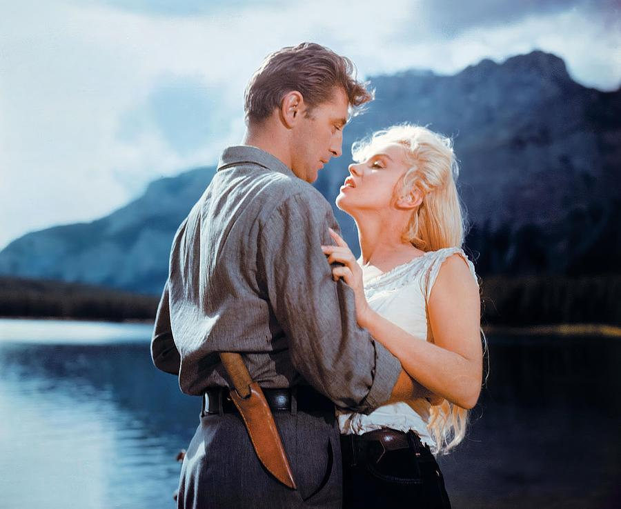 robert-mitchum-and-marilyn-monroe-in-riv