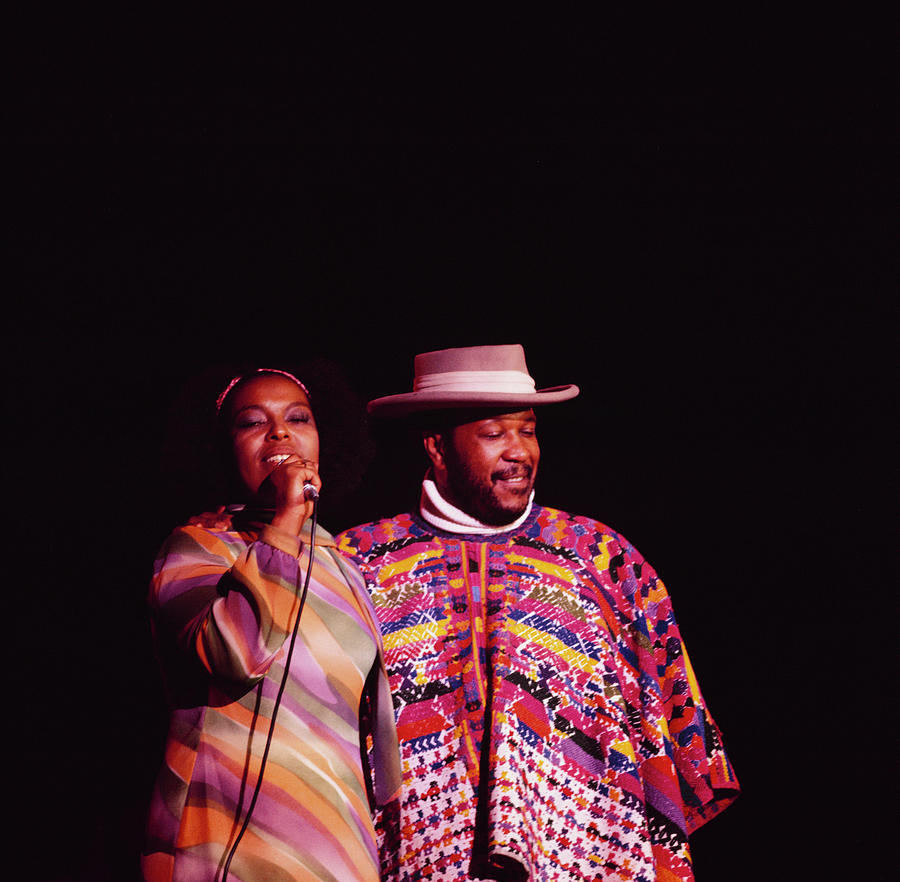 Roberta Flack And Les Mccann Perform At Photograph by David Redfern