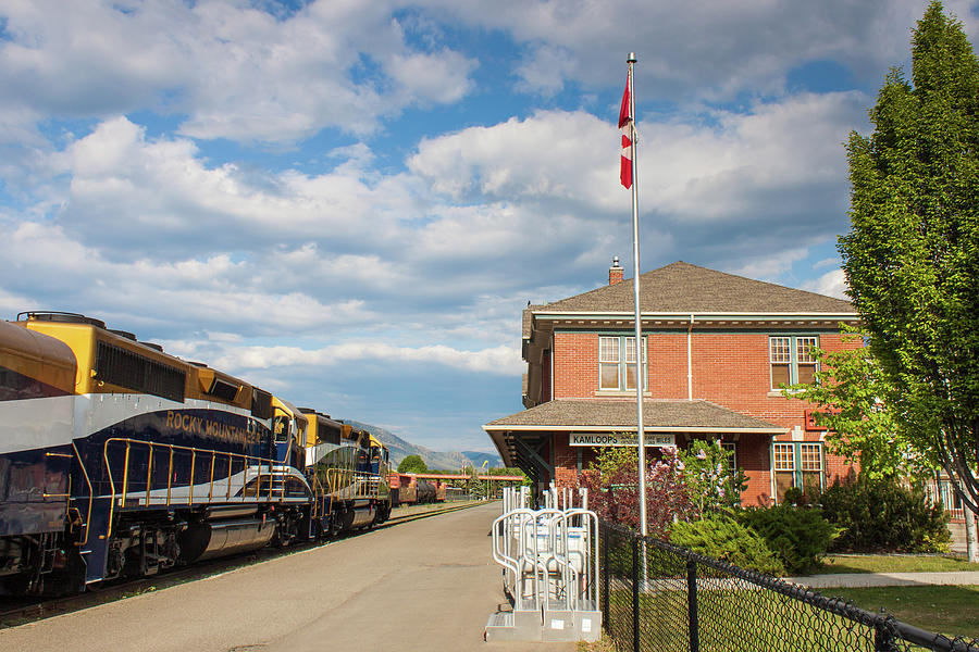 Rocky Mountaineer at Kamloops Station by Steve Boyko