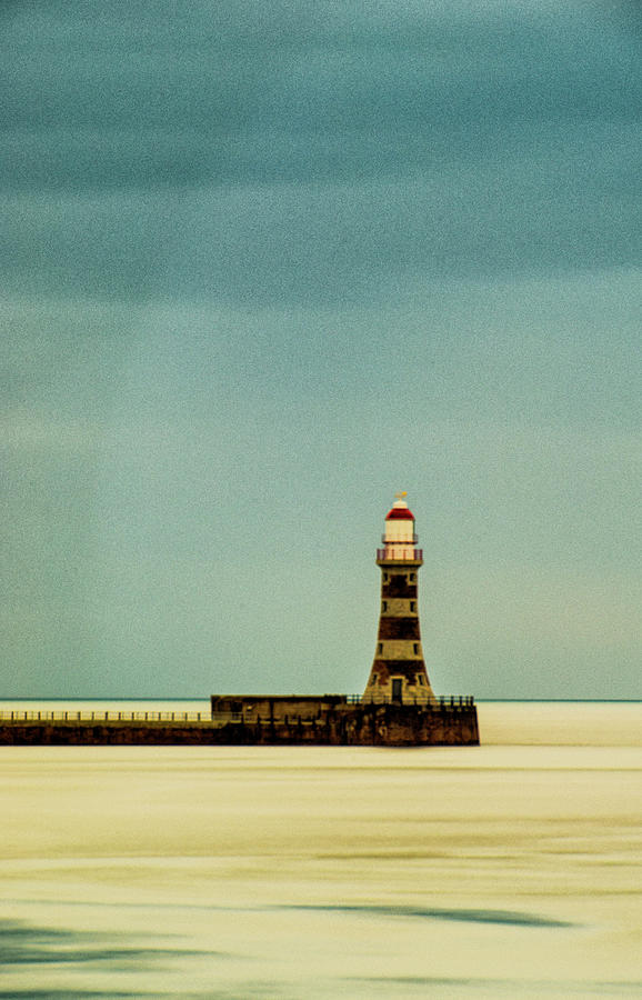Roker Pier and Lighthouse by Paul Cullen