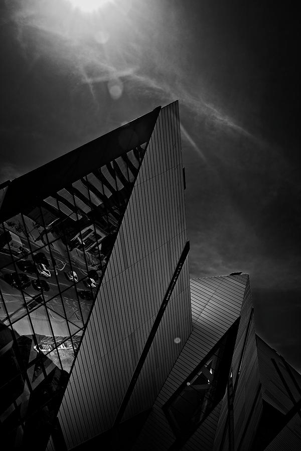ROM Toronto 01 by Roy Thoman