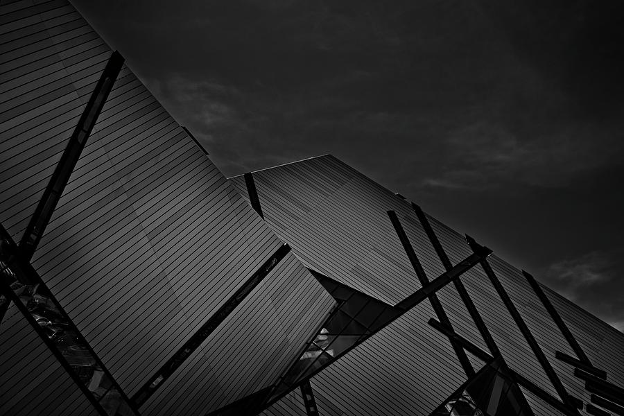 ROM Toronto 02 by Roy Thoman