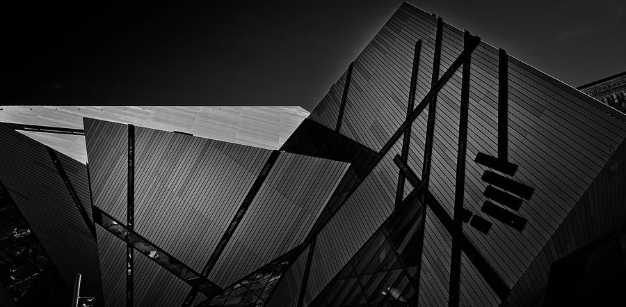 ROM Toronto 04 by Roy Thoman