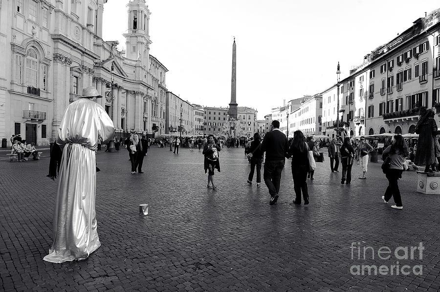 Street Artist Photograph - Roma BW - Street Photo Of Piazza Navona by Stefano Senise