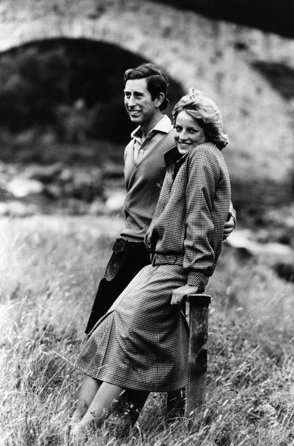 Romantic Couple Photograph by Hulton Archive