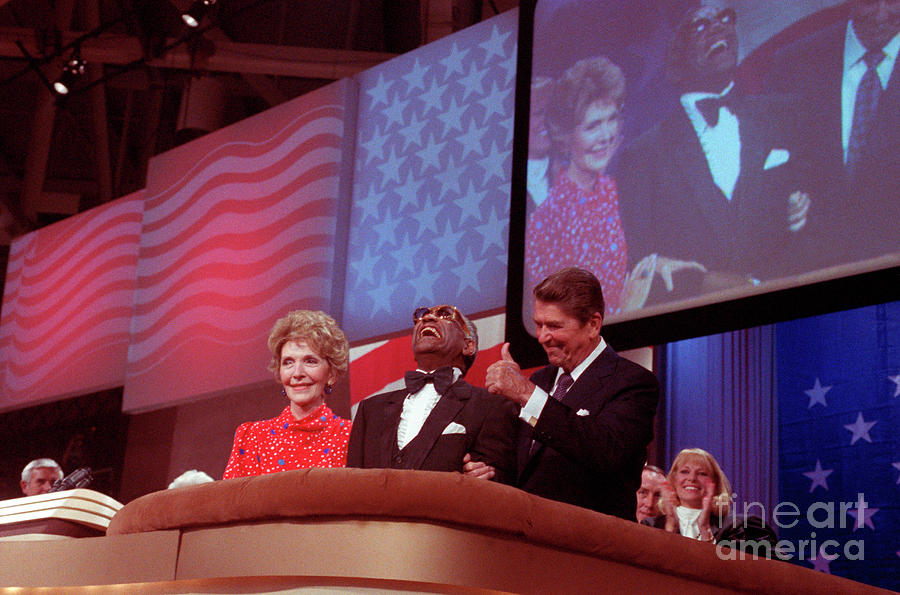 Ronald And Nancy Reagan With Ray Charles Photograph by Bettmann