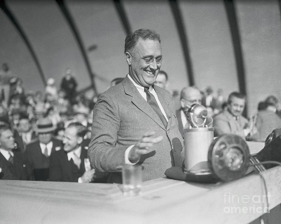 Roosevelt Laughing During Speech Photograph by Bettmann