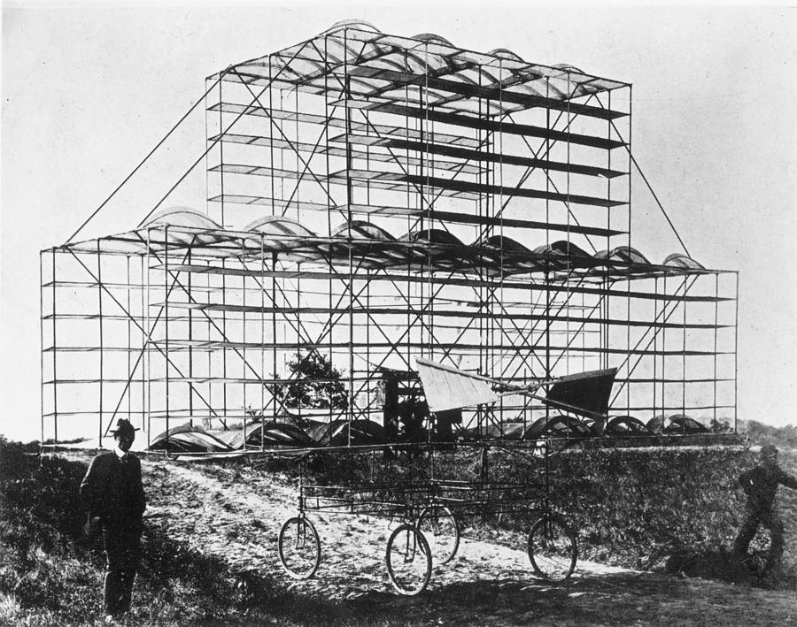 Roshon Multiplane Photograph by Hulton Archive