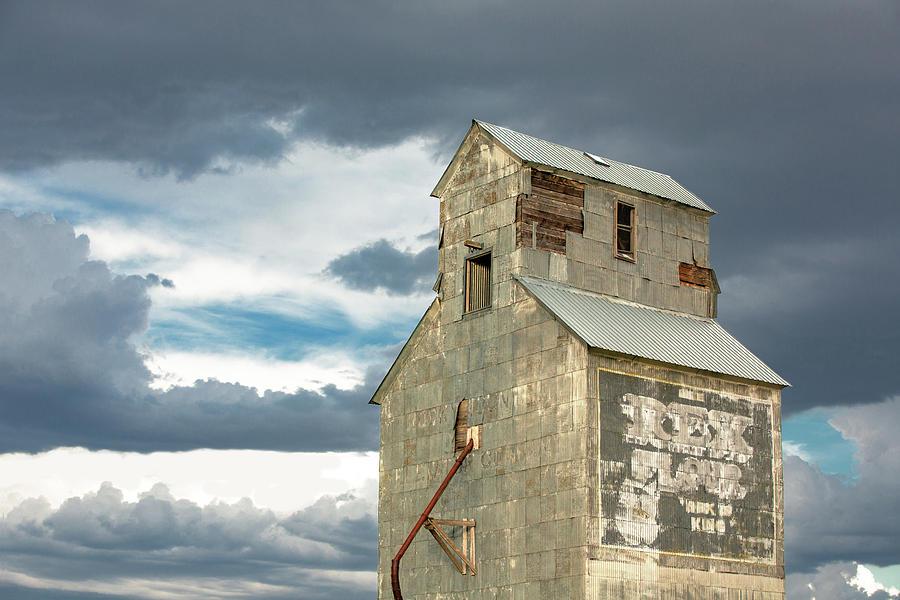 Grain Elevator Photograph - Ross Fork Top by Todd Klassy