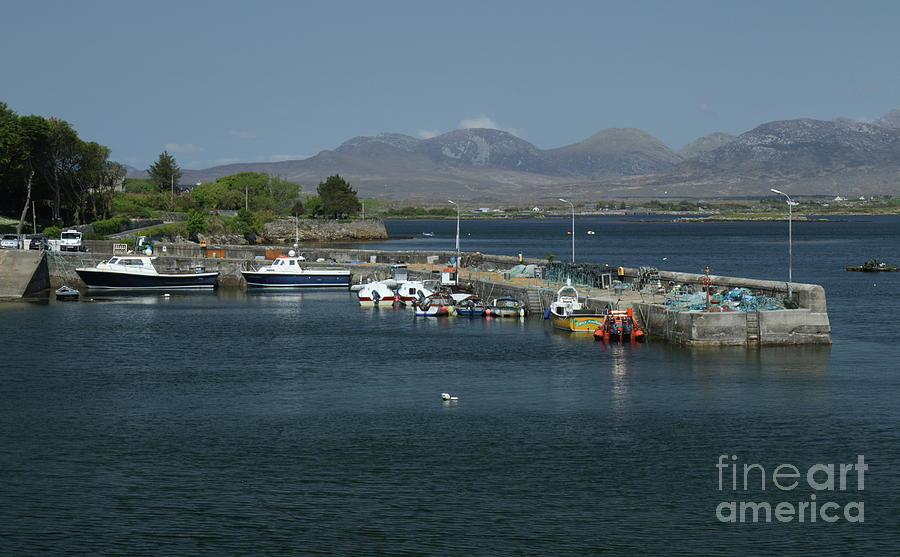 Roundstone Harbour by Peter Skelton