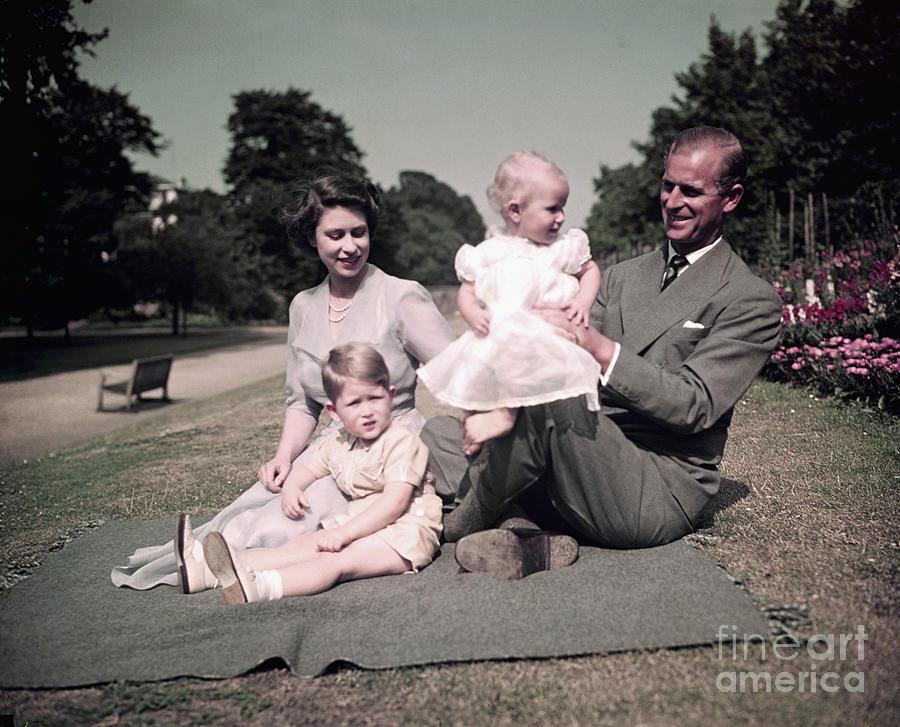 Royal Family Picnicking At Balmoral Photograph by Bettmann