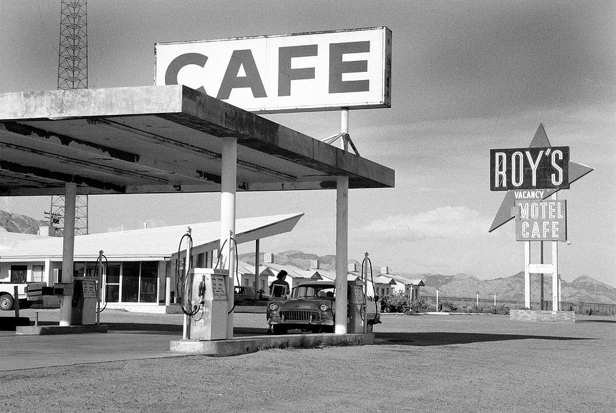Roys Motel, Cafe, And Gas On Route 66 Photograph by Car Culture
