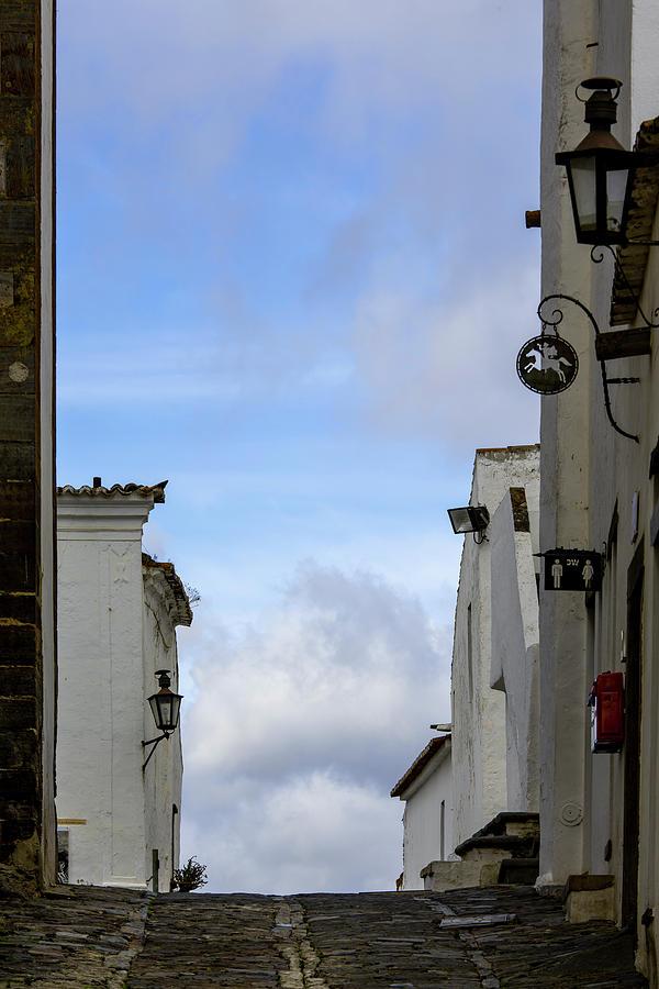 Rua de Monsaraz by Edgar Laureano