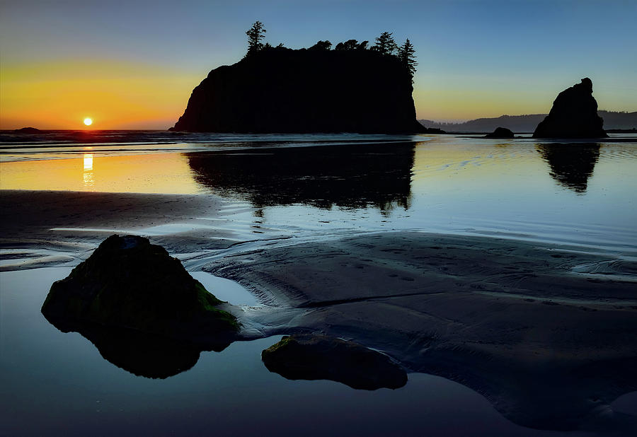 Ruby Beach Sunset by SCENIC EDGE PHOTOGRAPHY