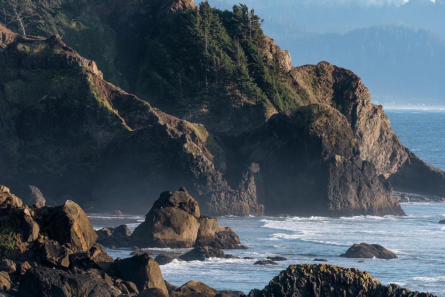 Rugged Oregon Coast by Robert Potts