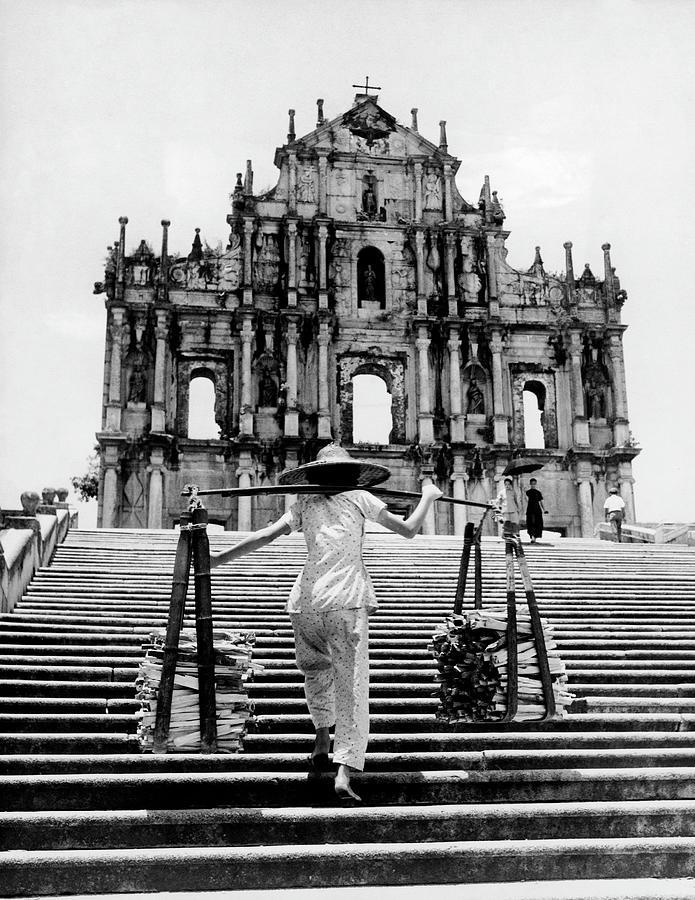 Ruines De Leglise Saint-paul A Macao Photograph by Keystone-france
