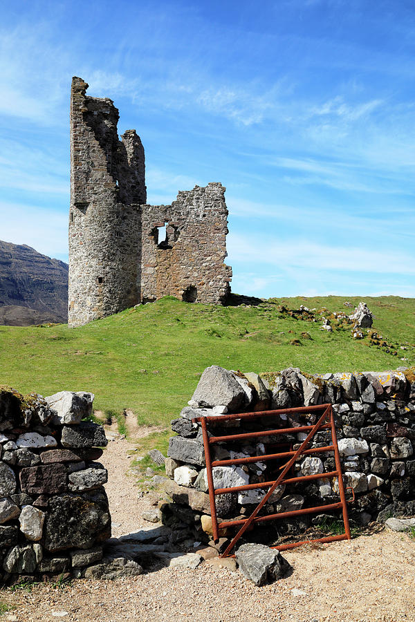 Ruins of Ardvreck Castle by Nicholas Blackwell