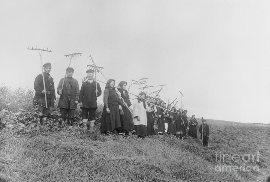Russian Villagers With Tools Preparing Photograph by Bettmann