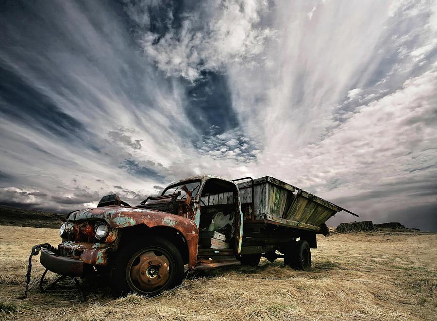 Truck Photograph - Rusty Truck by Þorsteinn H. Ingibergsson