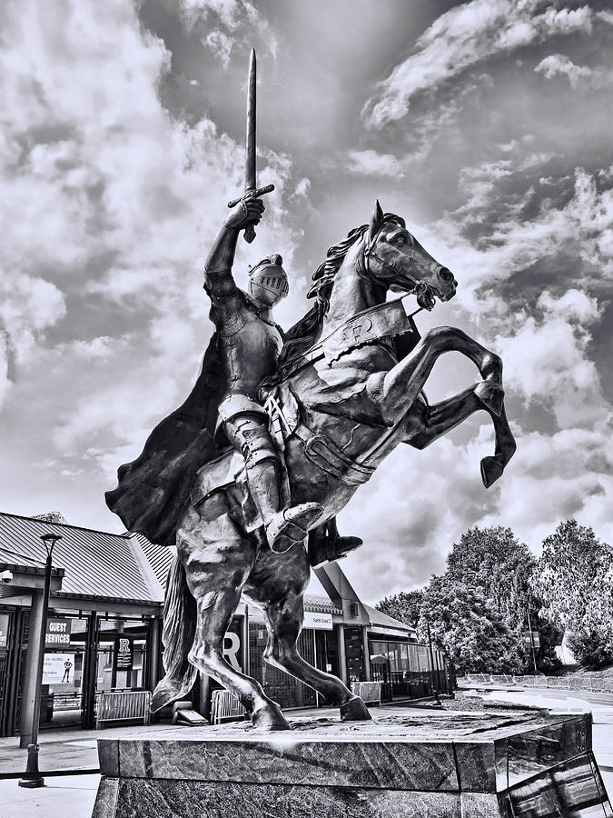Rutgers Photograph - Rutgers Victory Statue # 1 - B And W by Allen Beatty
