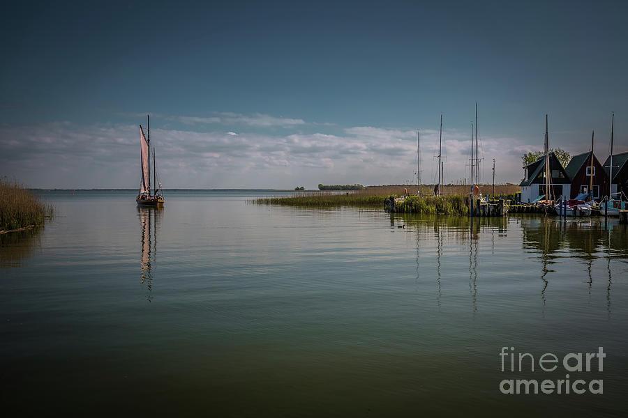 Sailing Away by Eva Lechner