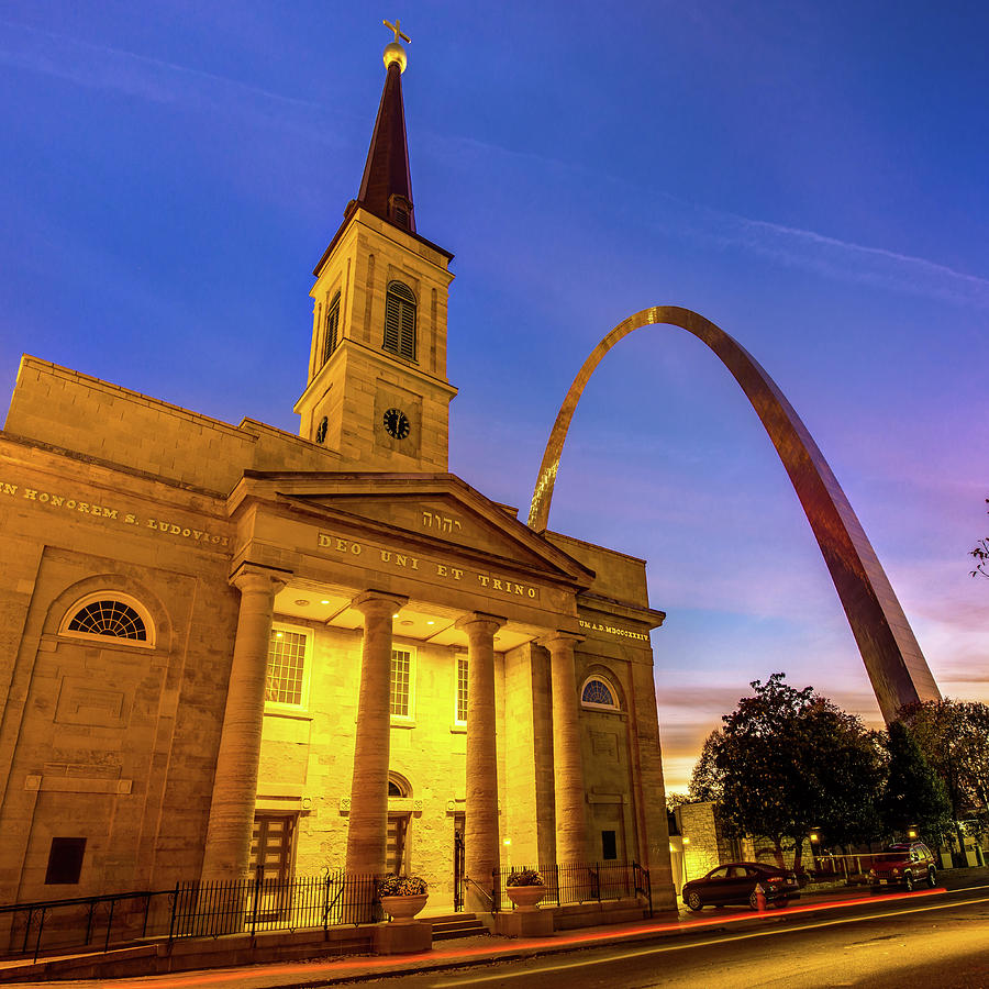 Saint Louis Gateway Arch And Cathedral At Dawn 1x1 Photograph
