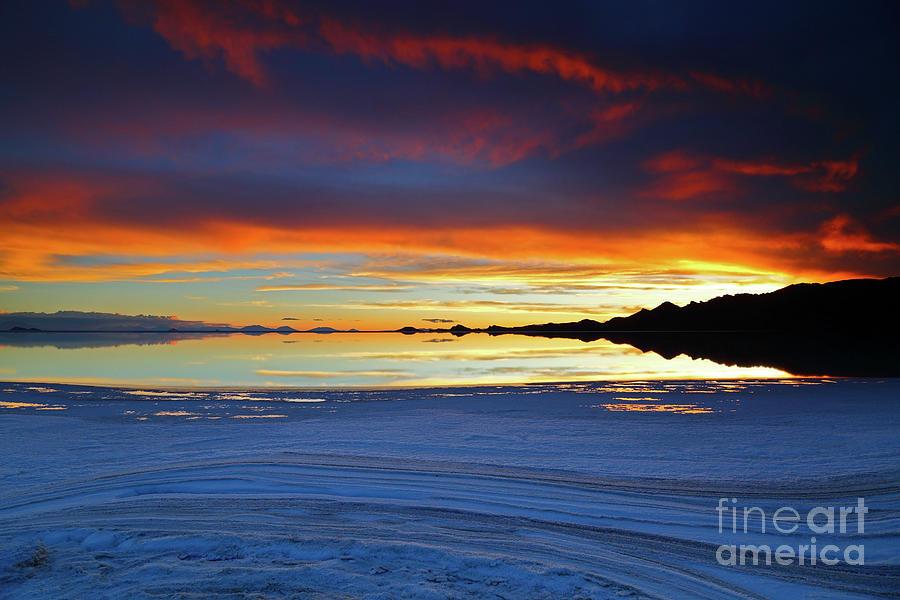 Salt Formations At Sunset Salar De Uyuni Bolivia
