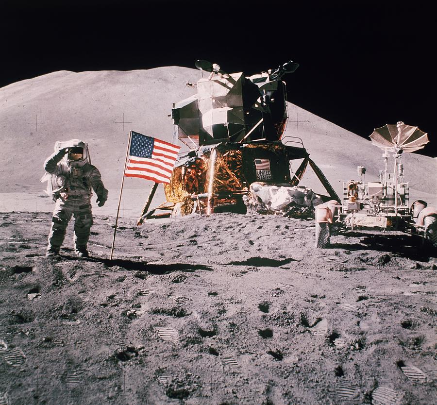 Salute The Moon Photograph by Hulton Archive