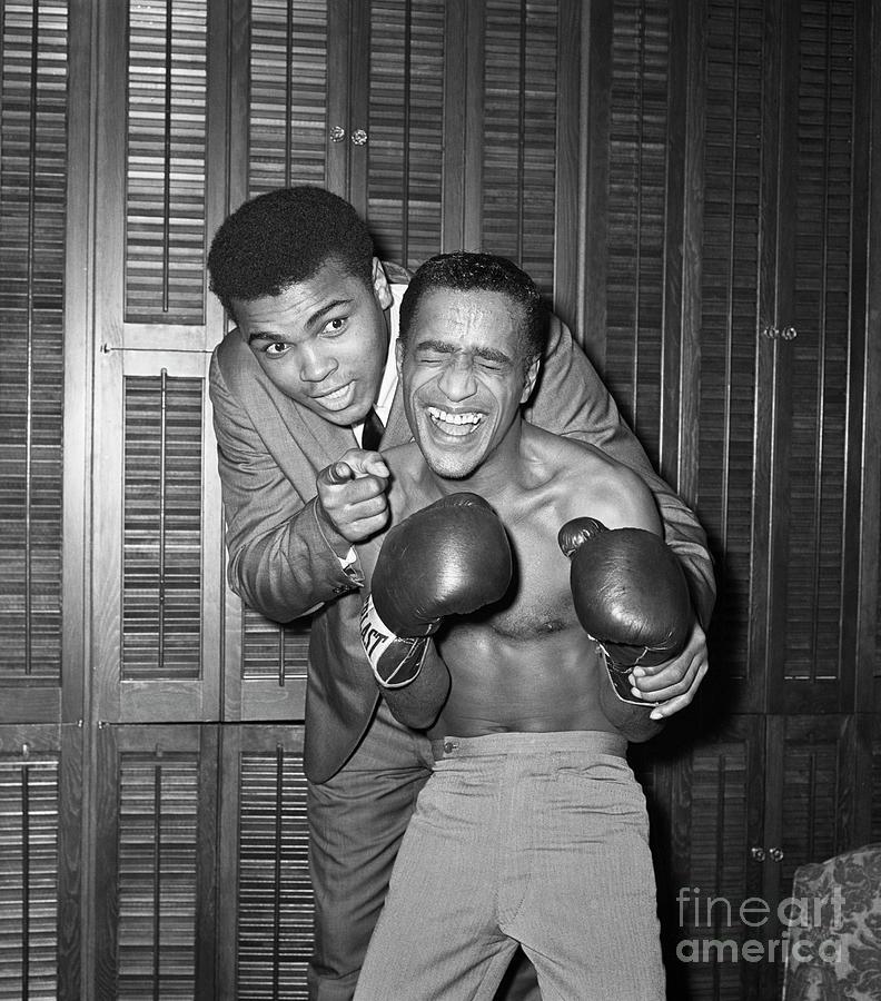 Sammy Davis And Cassius Clay Photograph by Bettmann