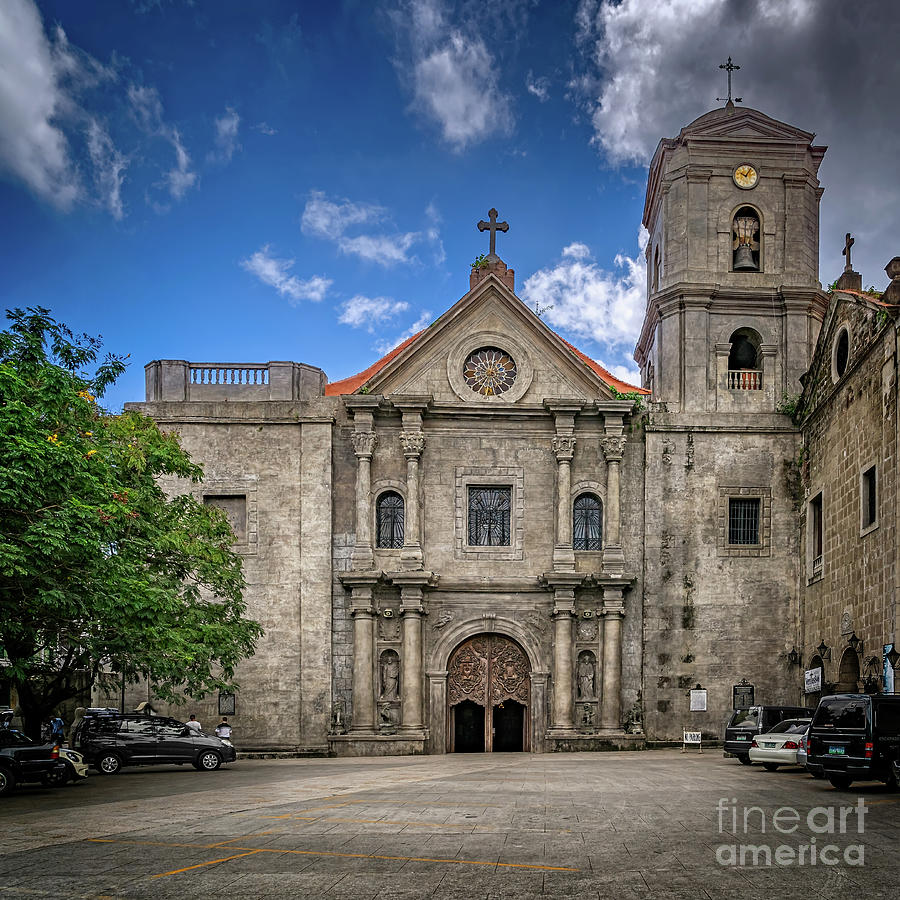 San Agustin Church Manila by Adrian Evans