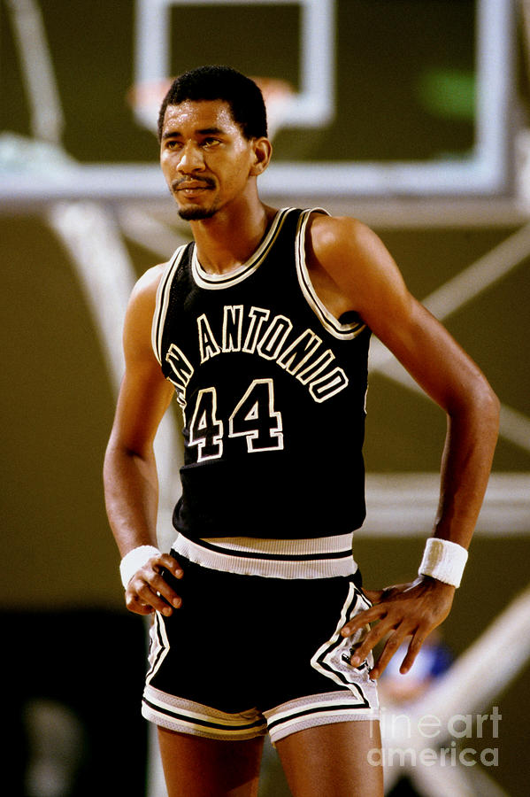 San Antonio Spurs George Gervin Photograph by Andy Hayt