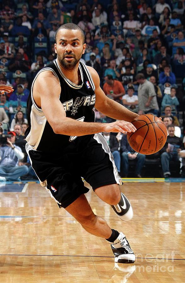 San Antonio Spurs V New Orleans Hornets Photograph by Layne Murdoch