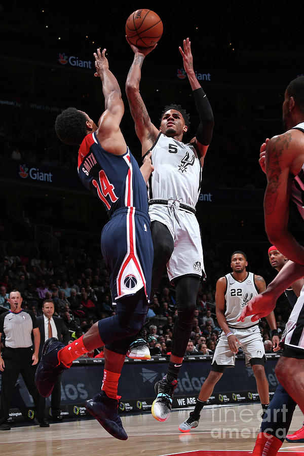 San Antonio Spurs V Washington Wizards Photograph by Ned Dishman