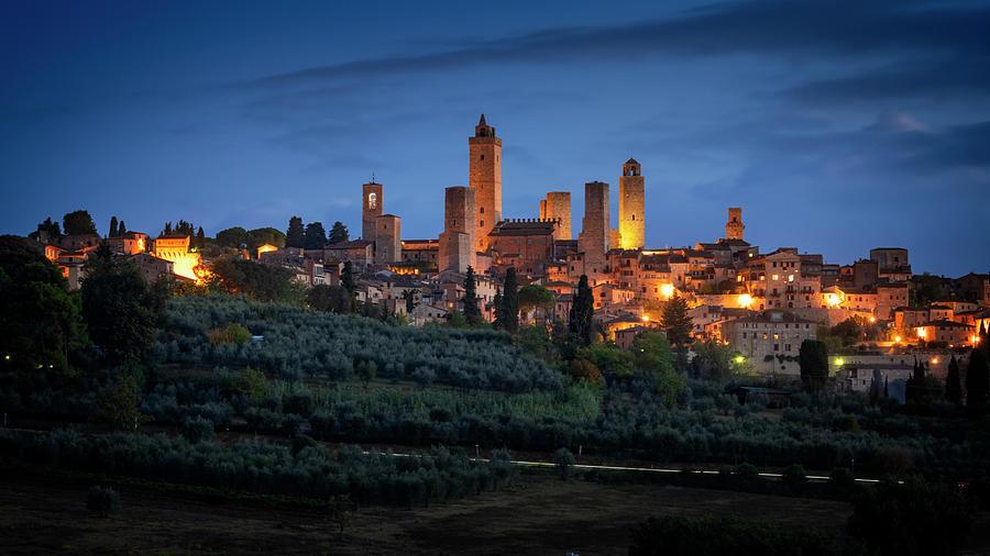 Italy Photograph - San Gimignano Tuscany Italy by Joan Carroll