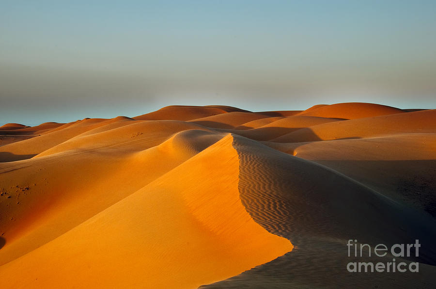 Middle Photograph - Sand Dunes In Oman by Hainaultphoto