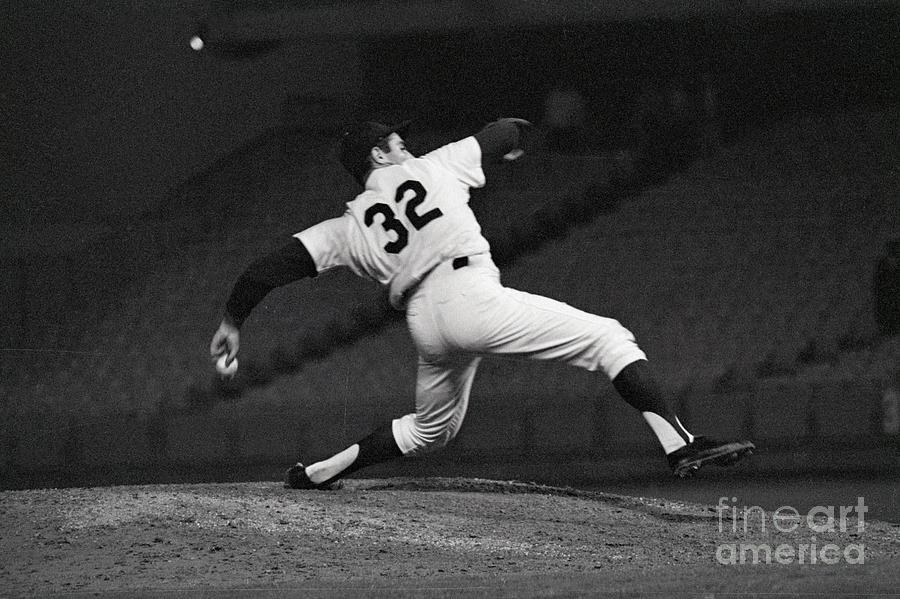Sandy Koufax Pitching A No Hitter Photograph by Bettmann