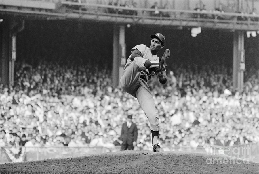 Sandy Koufax Throwing Pitch In World Photograph by Bettmann