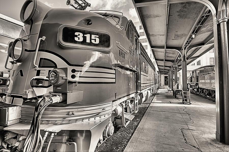 Train Photograph - Santa Fe F7 Chief  by JC Findley