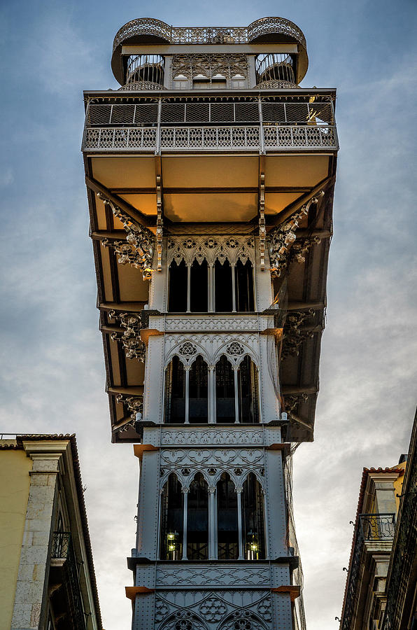 Santa Justa Lift in Llisbon by Pablo Lopez