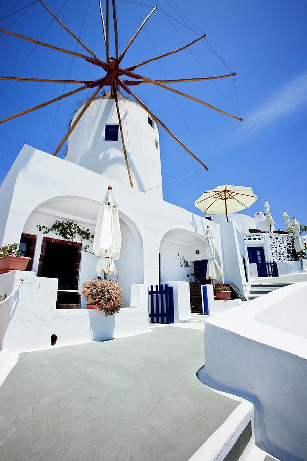Santorini Idyllic Hotel In Oia Photograph by Mbbirdy