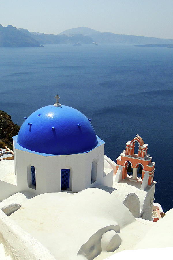 Santorini In Greece Photograph by Annhfhung