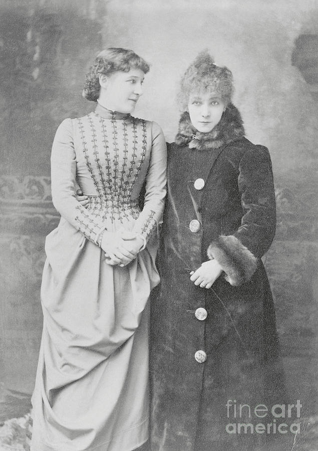 Sarah Bernhardt With Lillie Langtry Photograph by Bettmann