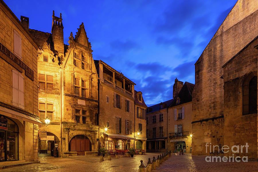 Dordogne Photograph - Sarlat Rue De La Liberte by Inge Johnsson