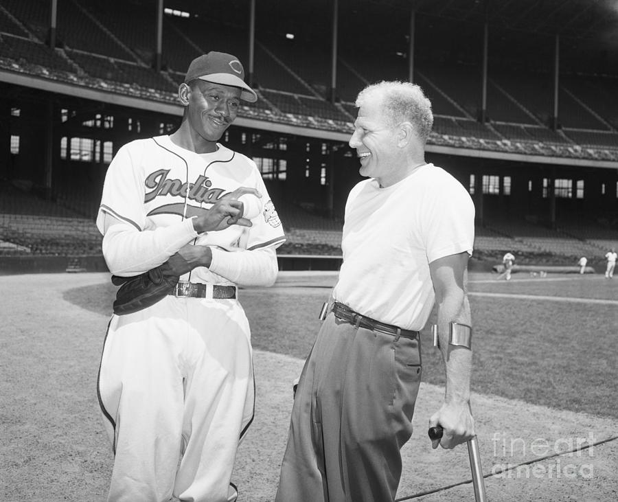 Satchel Paige And Bill Veeck, Jr Photograph by Bettmann